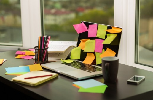 Pomysł na biznes – nalepki na laptopy